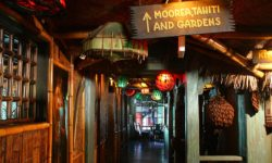 The hallway leading thru the Mai-Kai show room and on to Moorea, Tahiti, and the Gardens